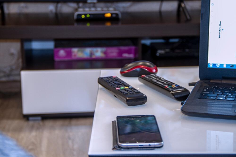 Connecte pc a la tele sans hdmi