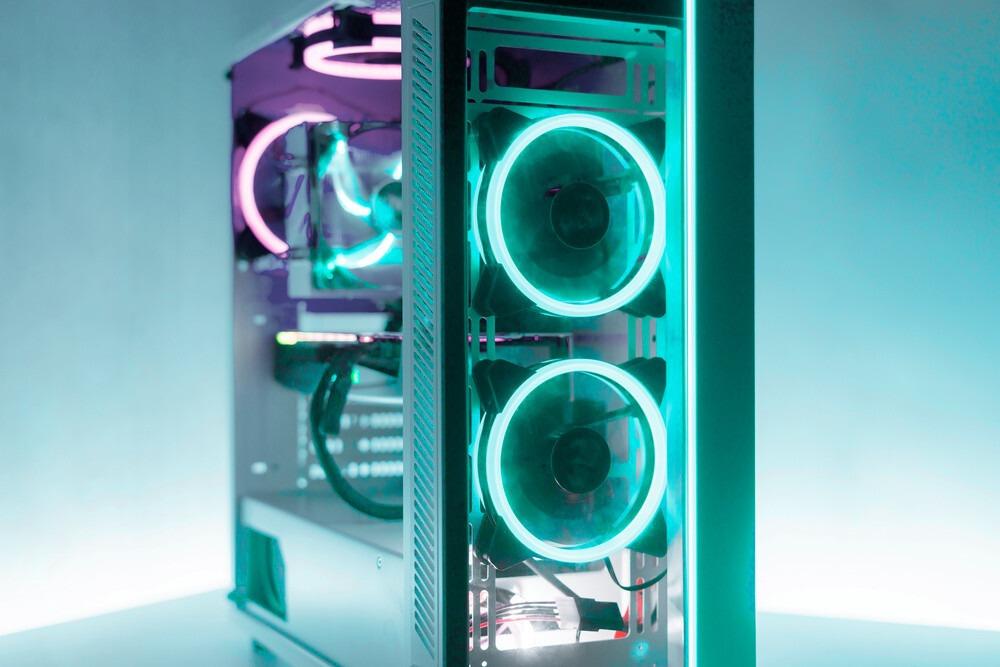Boitier rgb avec ventilateur 1