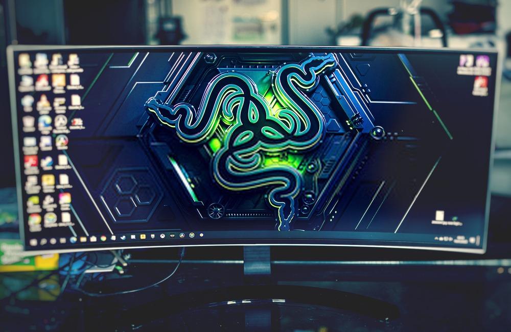 écran PC ultrawide incurvé pour gamer