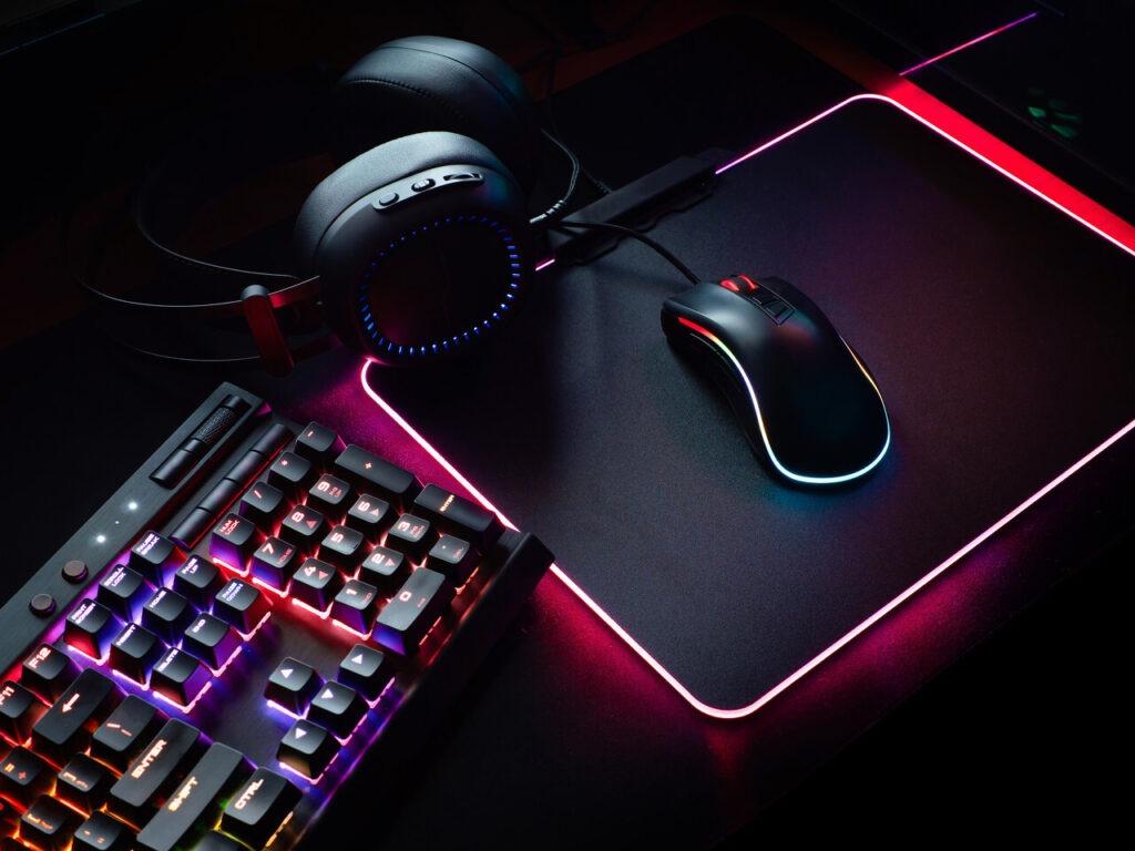 tapis de souris avec clavier rmecanique et souris de gaming 1
