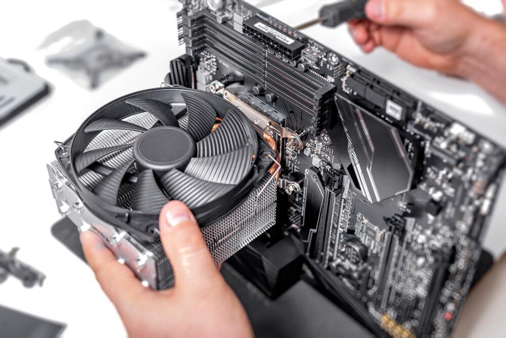 montage ventilateur refroidisseur pour CPU