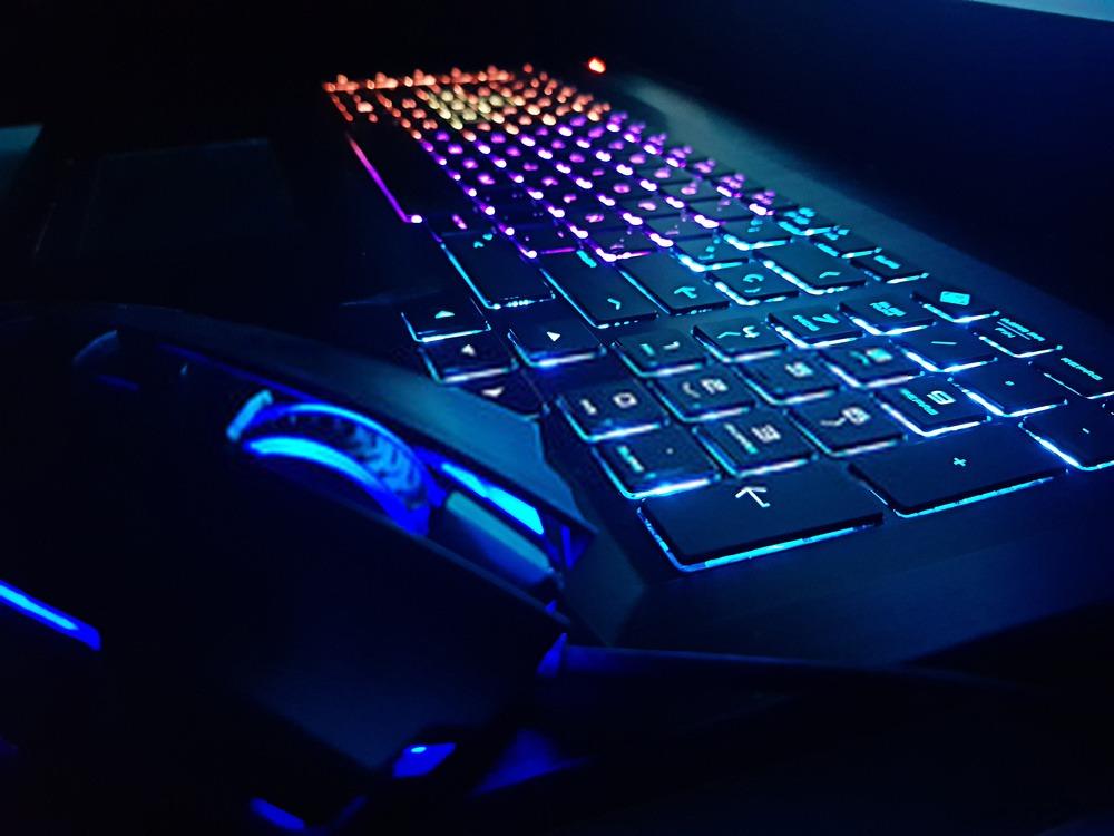 clavier pc silencieux rgb