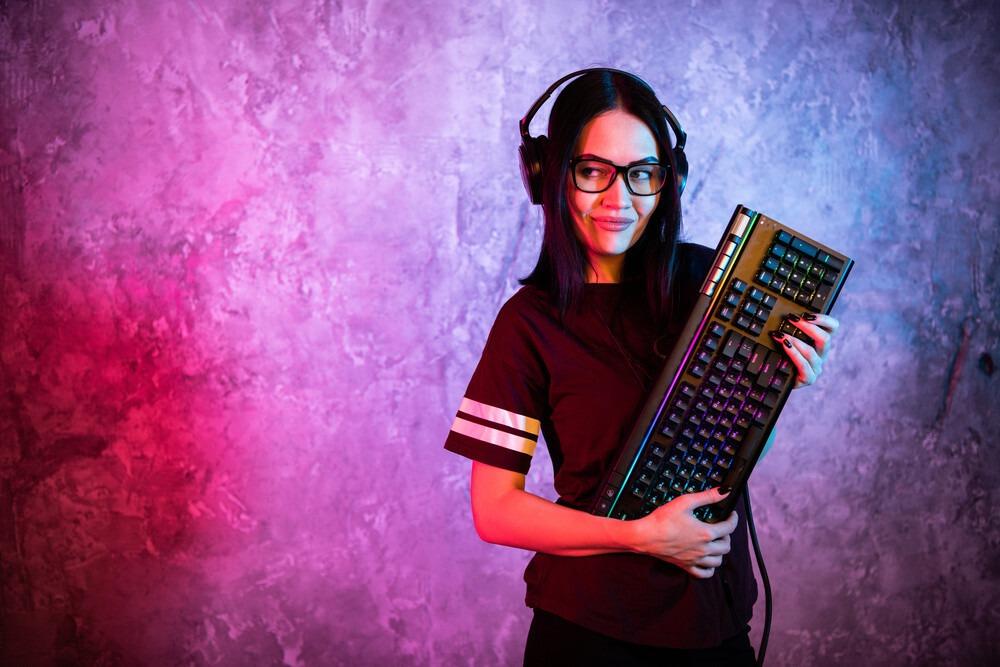 gameuse avec un clavier rgb