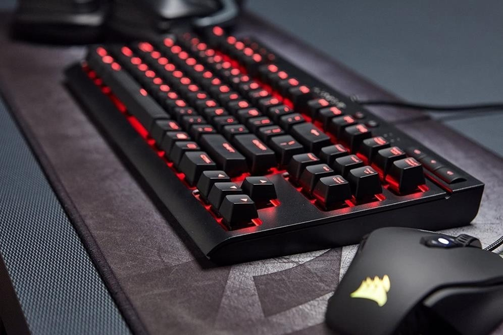 clavier et souris en RGB